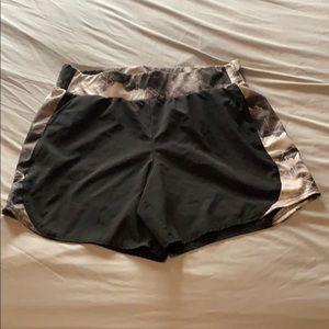 Running shorts sz M Black Gray design